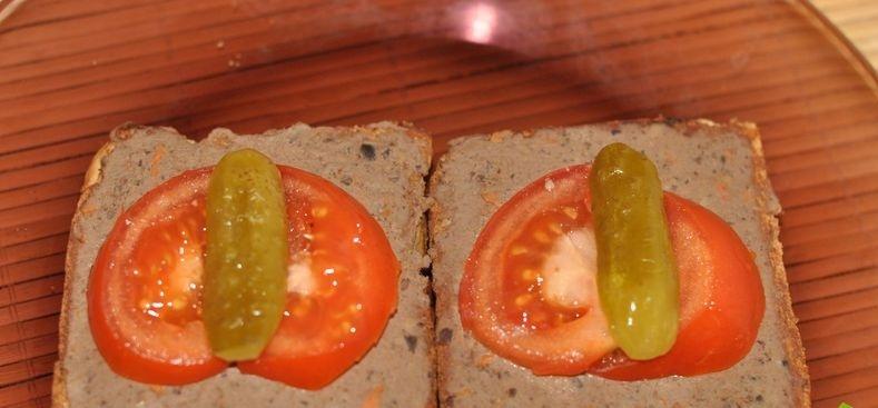 Бутерброды с паштетом - фото шаг 3