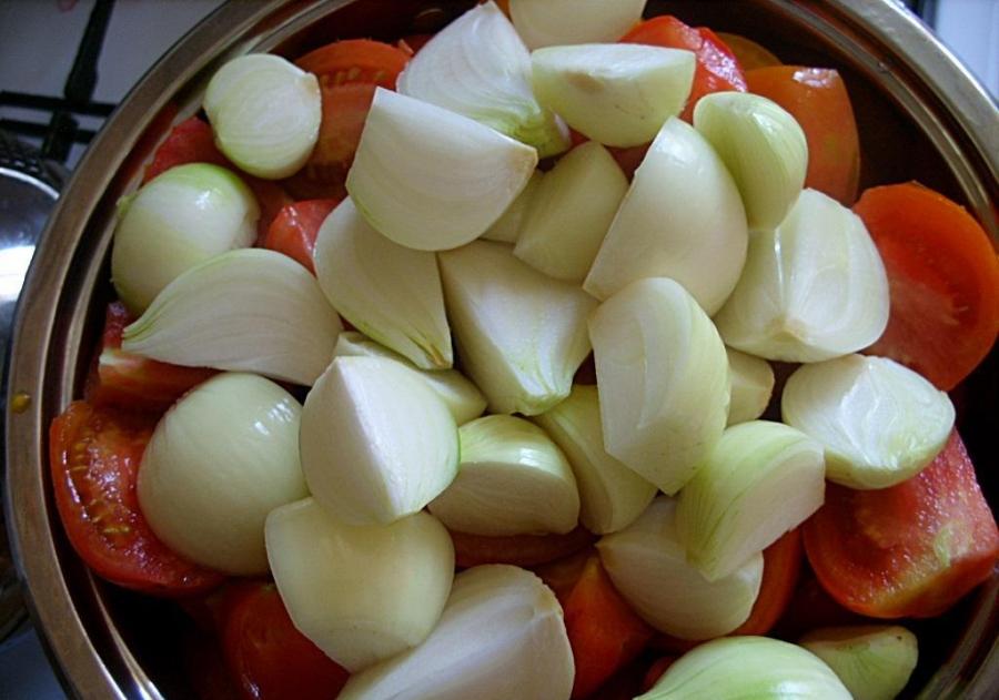 Рецепт Аджика с луком на зиму