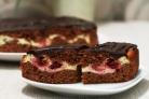 Торт Брауни с вишней