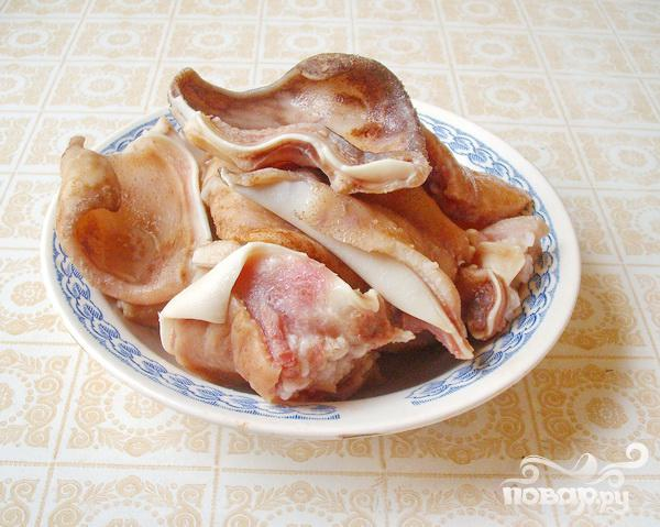 Острая закуска из свиных ушей - фото шаг 2