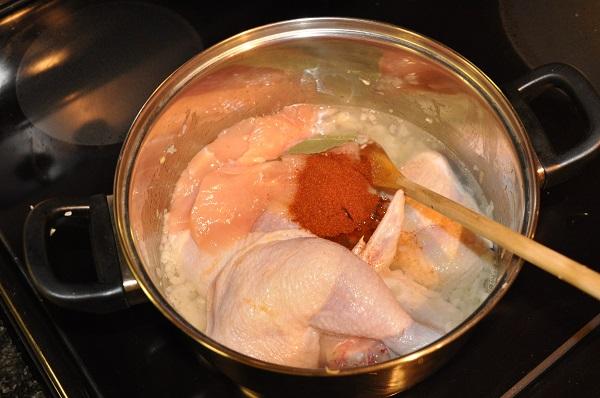 Отварная курица в сметанном соусе - фото шаг 2