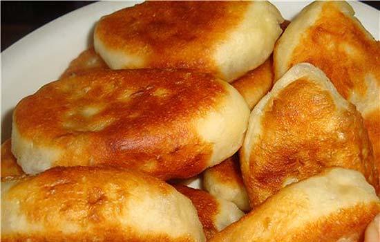 дрожжевые пирожки с сыром на сковороде рецепт