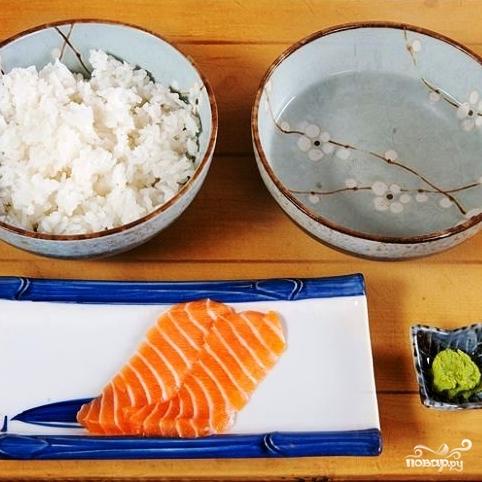 Суши с лососем - фото шаг 1