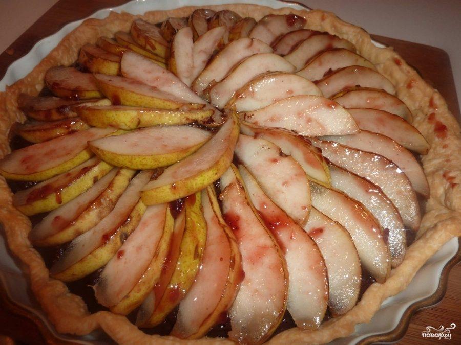 Рецепт Перевернутый пирог с грушами и клюквой