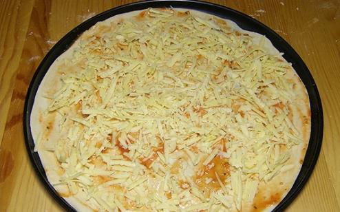 Рецепт Пицца с ветчиной и шампиньонами