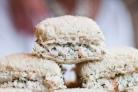 Бутерброды с пастой из креветок