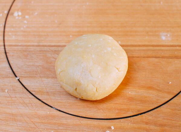 Красивые булочки из дрожжевого теста - фото шаг 4