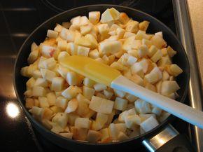 Ржаная шарлотка с яблоками - фото шаг 3