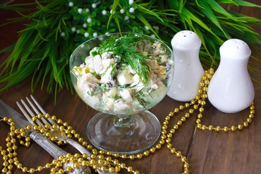 Салат с мясом и огурцом - фото шаг 6