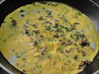 Омлет с мясным фаршем - фото шаг 5