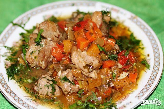 Овощи, тушенные с мясом