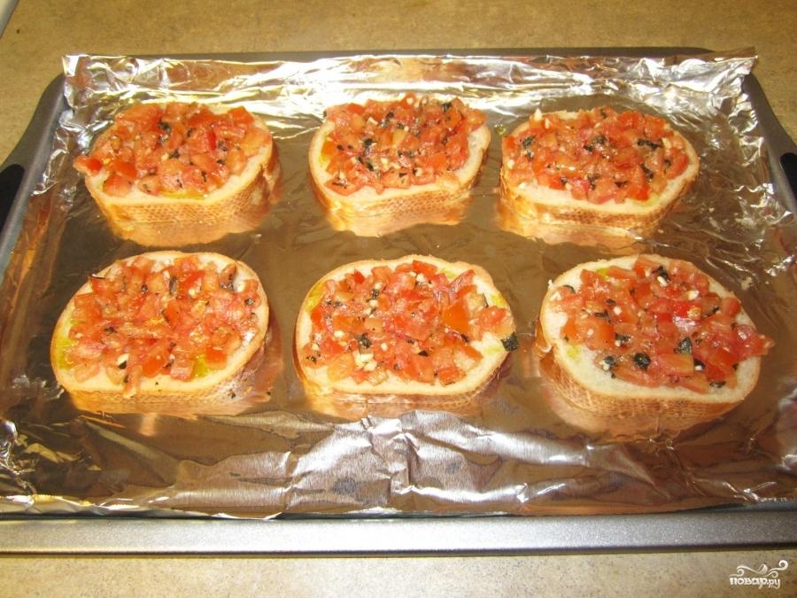 Бутерброды с помидорами в духовке - фото шаг 3