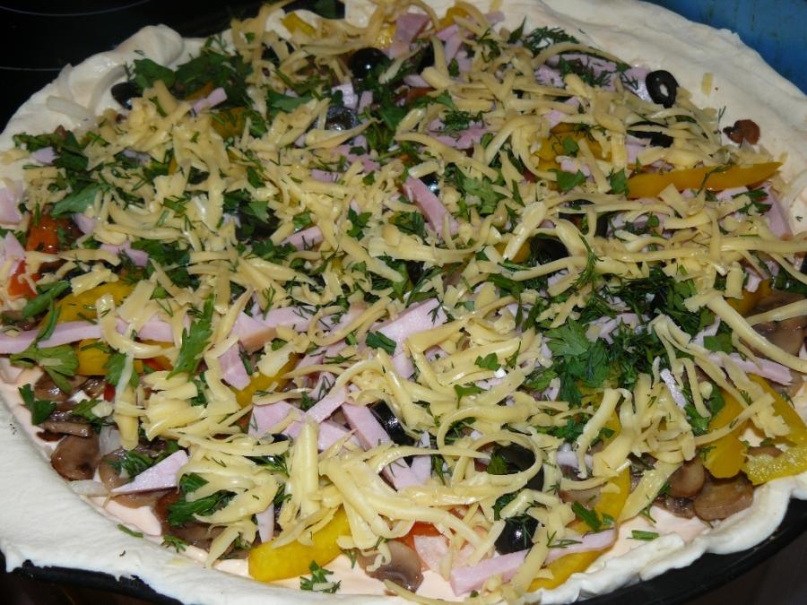 Пицца с сыром и грибами - фото шаг 2
