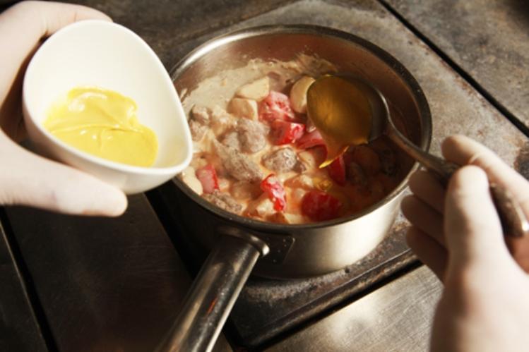 Как в микроволновке готовить сосиски в тесте