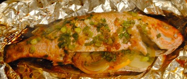 Как приготовить рыбу в духовке в фольге целиком