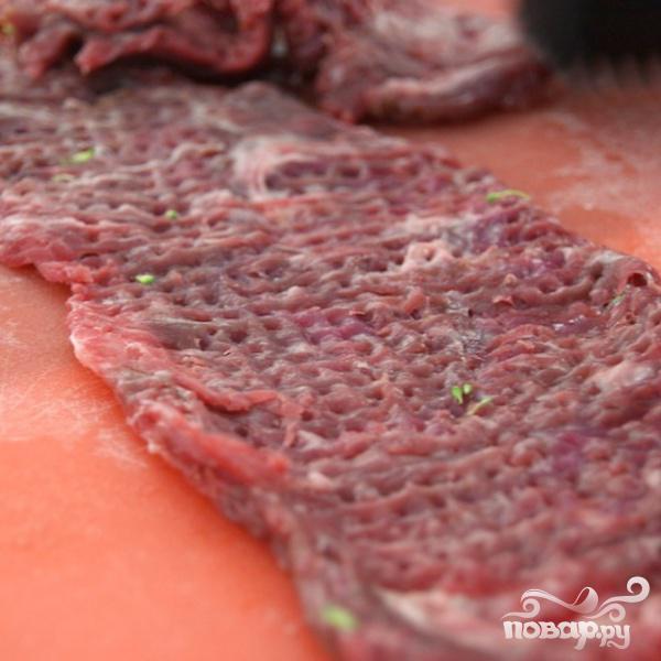 Говядина с брокколи под устричным соусом - фото шаг 1