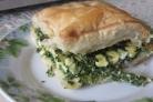 Слоеный пирог со шпинатом