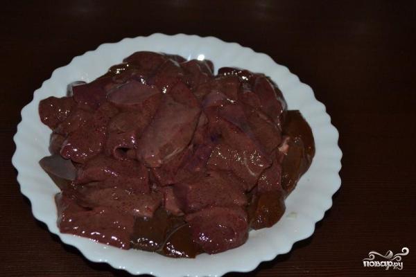 Печеночные оладьи из свиной печени - фото шаг 2