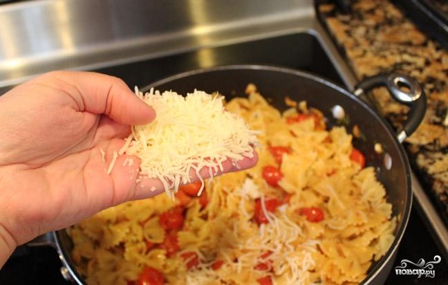 Паста с помидорами и сыром - фото шаг 6