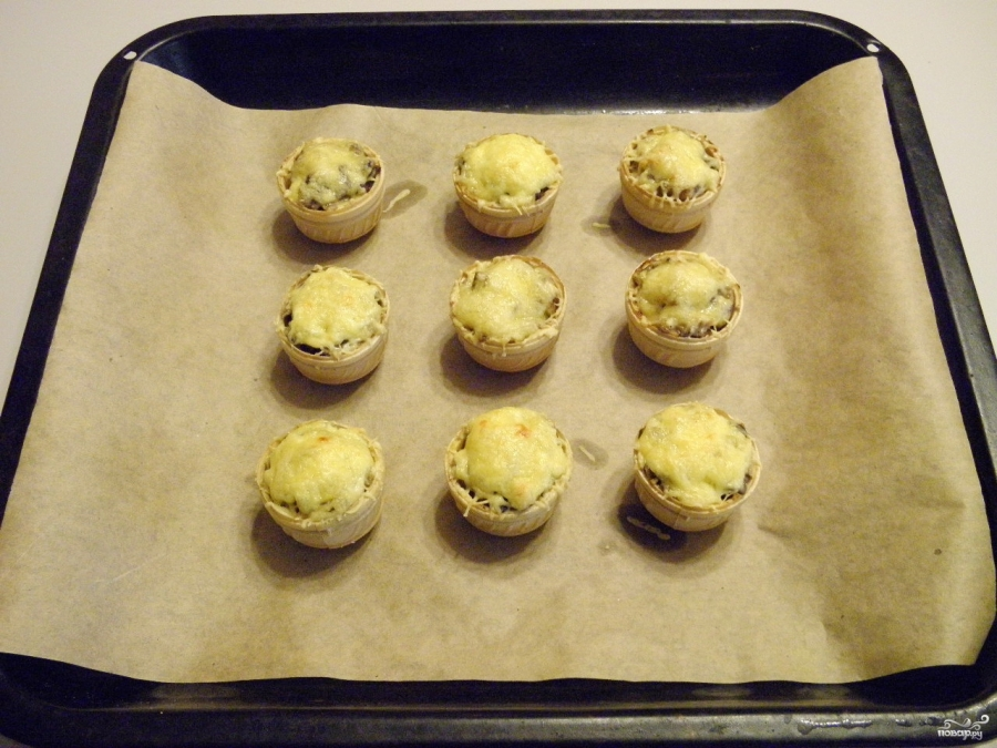 Жульен в тарталетках с грибами - фото шаг 8