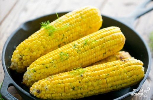 Кукуруза в фольге на гриле