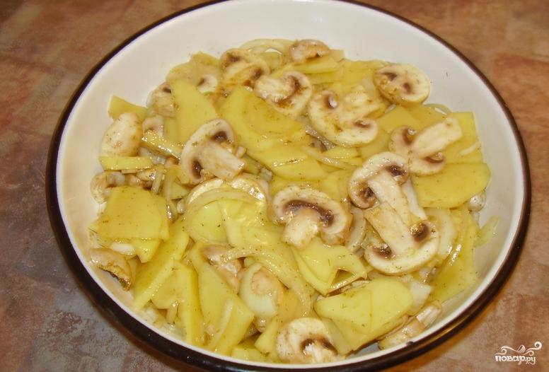 Картофель с шампиньонами и сыром в духовке - фото шаг 3