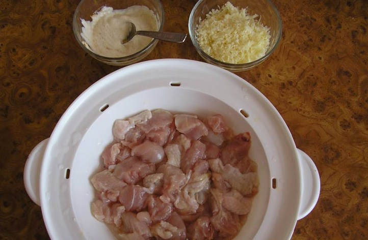 Картошка с курицей в пароварке - фото шаг 2