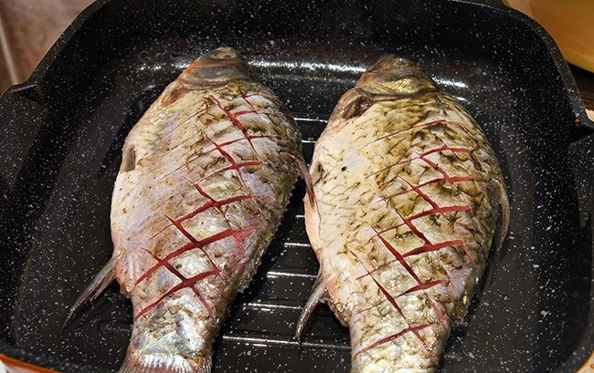 Рыба на гриль-сковороде - фото шаг 3