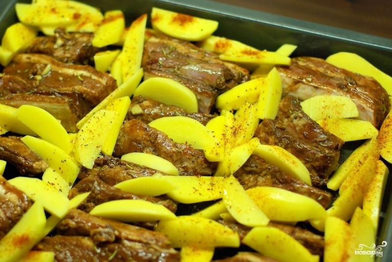 Свиные ребра с картошкой в духовке в рукаве рецепт 193