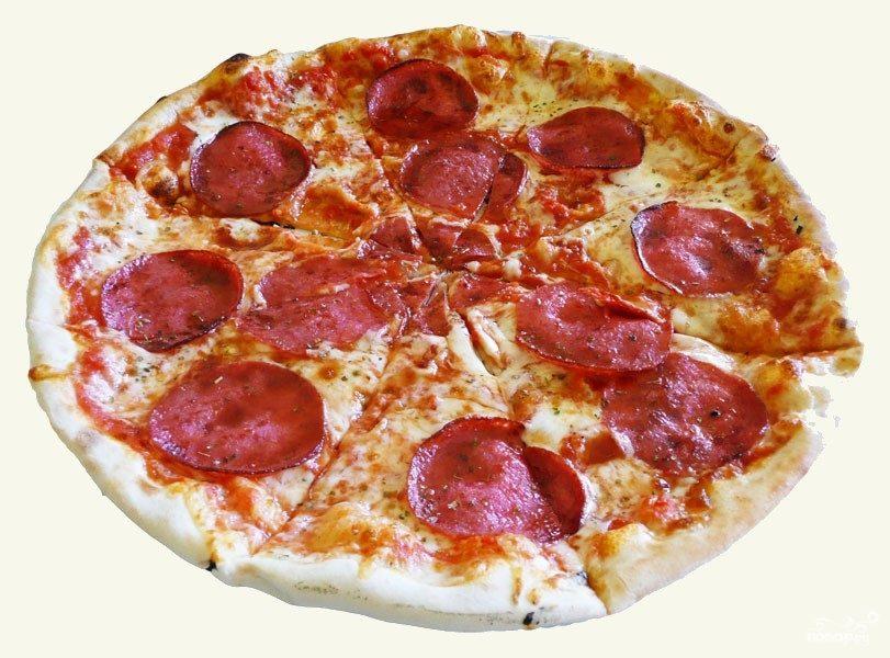 Пицца в духовке с колбасой