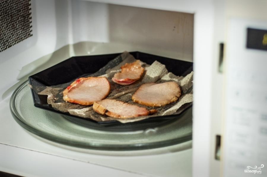 Бутерброд с яйцом в микроволновке - фото шаг 3