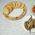 Рецепт Бутерброды со шпротами и копченой семгой