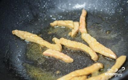 Мясо тушеное с лисичками - фото шаг 2