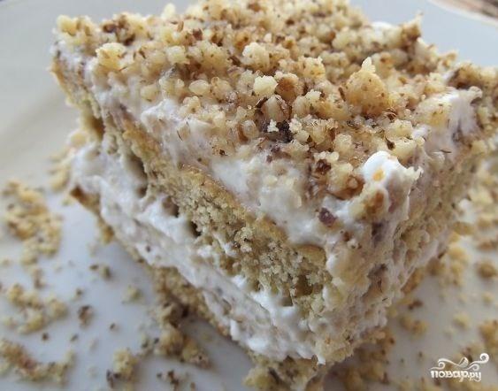 Бисквитный торт с грецкими орехами
