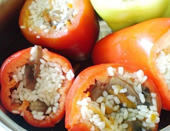 Перец, фаршированный грибами и рисом - фото шаг 9