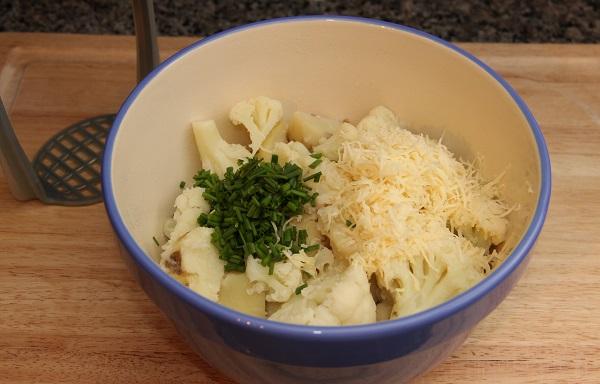 Запеканка из цветной капусты и картофеля - фото шаг 6