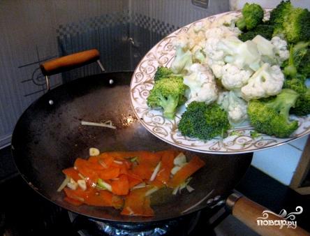 Говядина с брокколи и цветной капустой - фото шаг 3