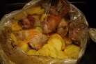 Курица в рукаве с картошкой