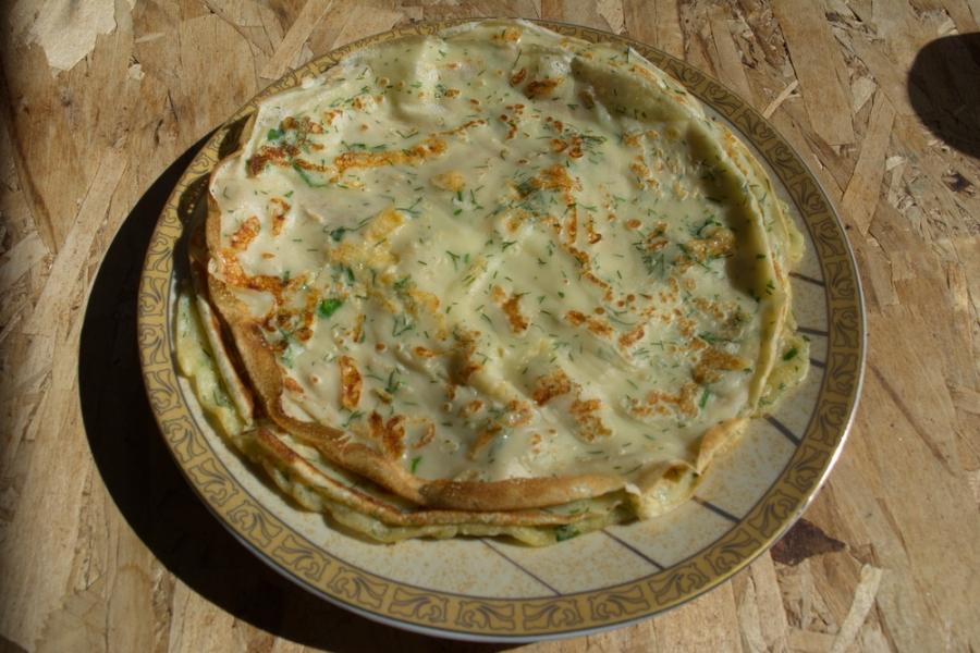 Сырные блины с зеленью - фото шаг 6