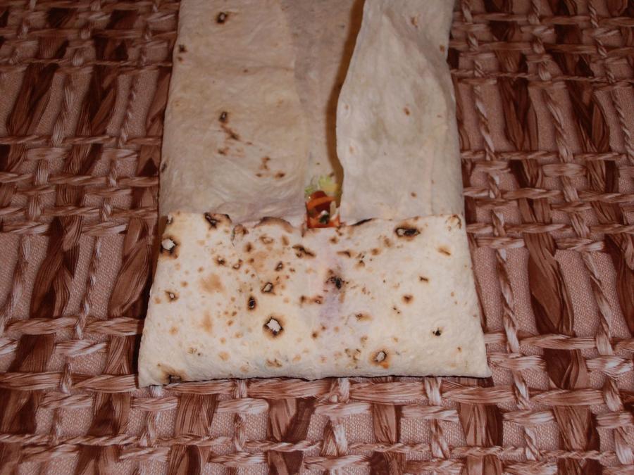 Шаурма с колбасой - фото шаг 11
