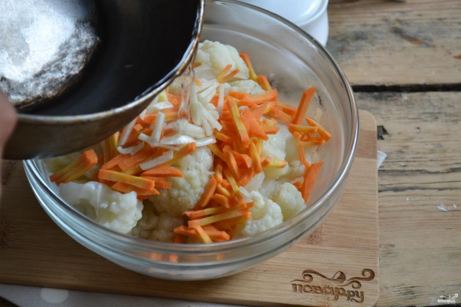 Маринованная цветная капуста с морковью - фото шаг 5