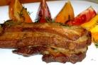 Свиные ребрышки в соевом соусе