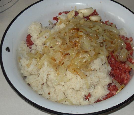 Тефтели с помидорами - фото шаг 1