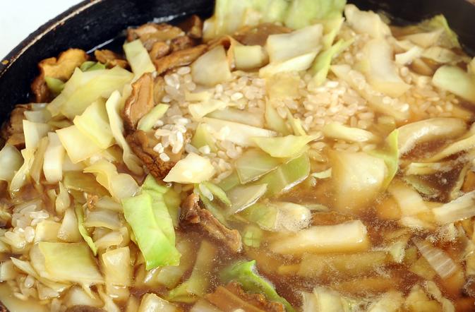 Грибная солянка с рисом и капустой - фото шаг 7