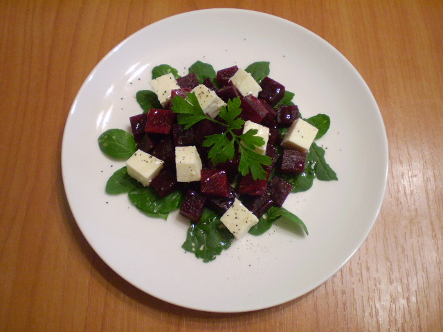 Салат из печеной свеклы с брынзой - фото шаг 4