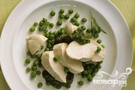 Рецепт Курица с горошком и соусом из эстрагона