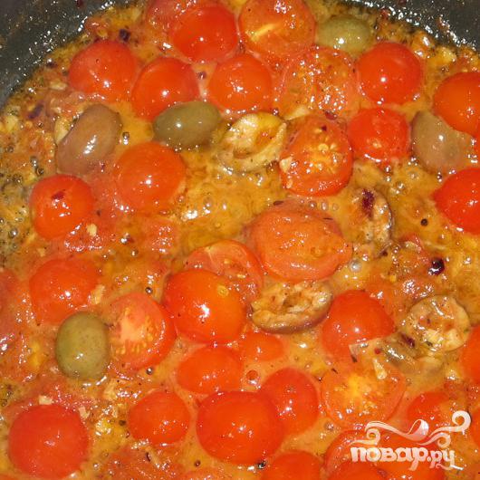Спагетти с томатами и оливками в маслинном соусе - фото шаг 4