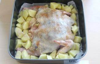 Курица, фаршированная грибами и сыром - фото шаг 6