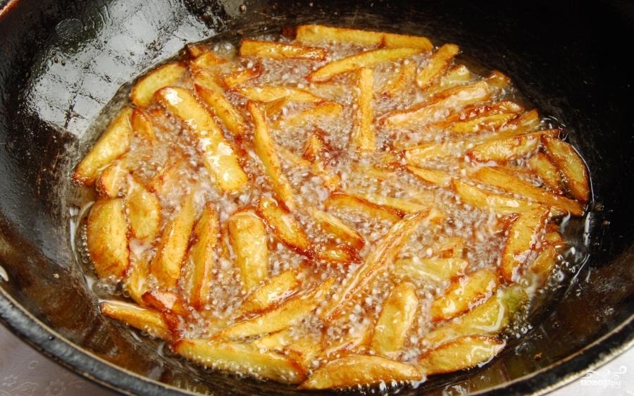 Как приготовит картофель фри на сковороде