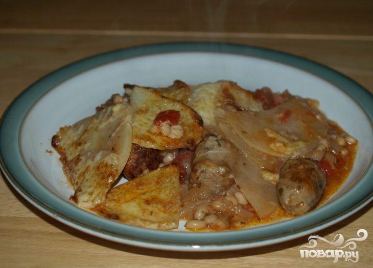 Колбасная запеканка с помидорами и фасолью - фото шаг 4